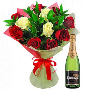 Bouquet and champaign